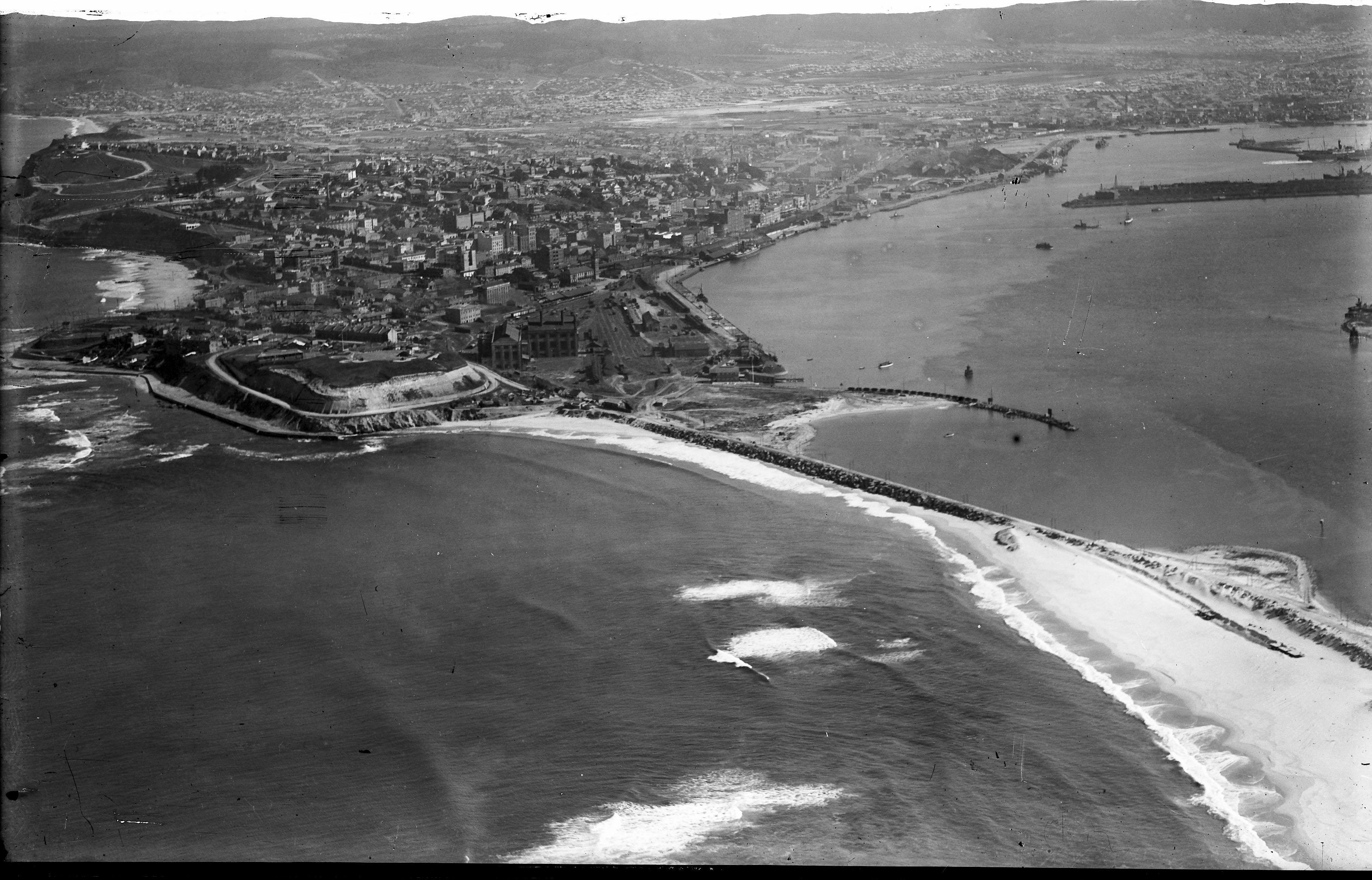Newcastle aerial, 1935 (Image 66 Courtesy of Phillip Warren)