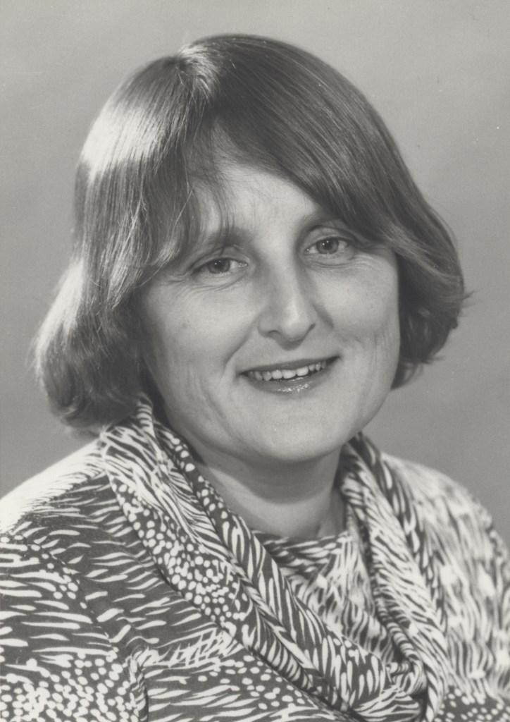 Dr Beverley Raphael